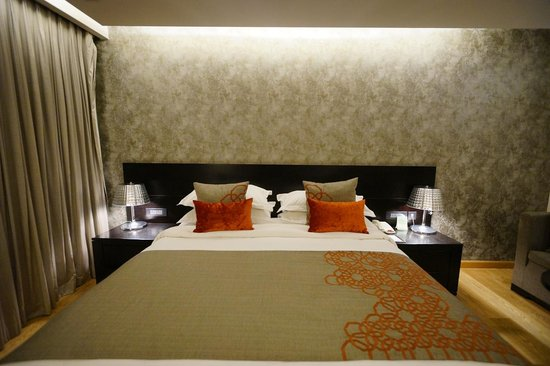 Fraser Suites New Delhi: bedroom