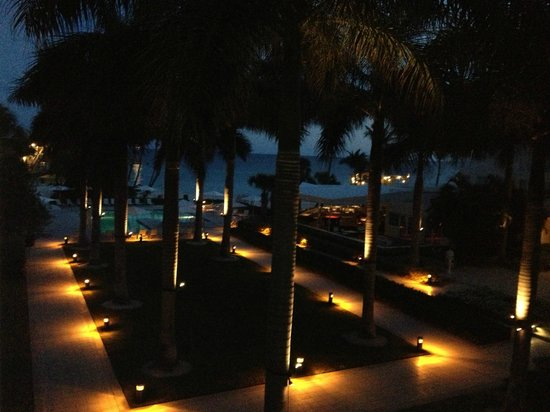 The Reach, A Waldorf Astoria Resort:                   Night Beauty