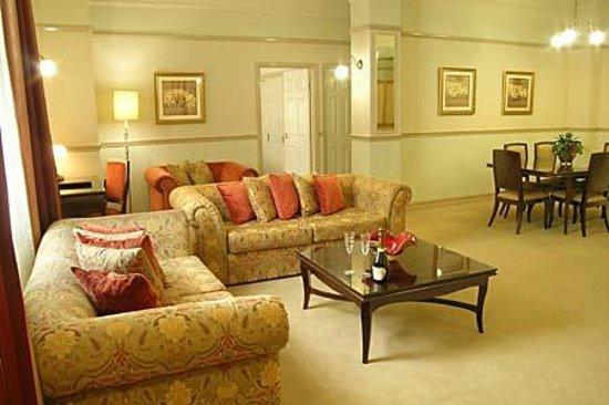royal albert hotel 113 1 4 2 updated 2018 prices. Black Bedroom Furniture Sets. Home Design Ideas