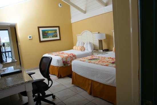 BEST WESTERN PLUS Yacht Harbor Inn: Standard 2 Queen w/private balcony