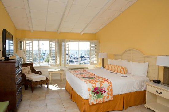 BEST WESTERN PLUS Yacht Harbor Inn: 2 Bedroom Suite (King bedroom)