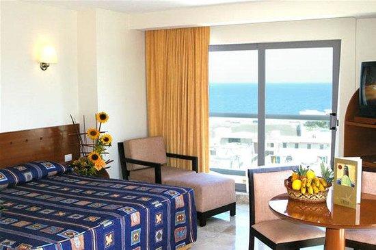 Rivoli Select Hotel: Guest room