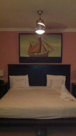 The MT Hotel : Bedroom