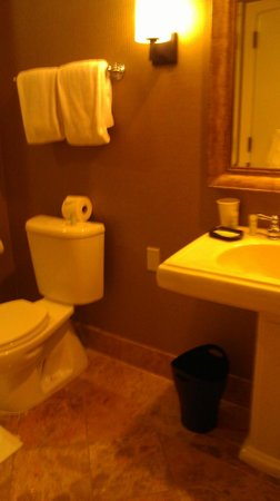 La Cantera Hill Country Resort:                   2nd bathroom