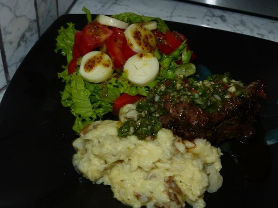 Monchados: Chimichurri Beef Tenderloin with mashed potatoes