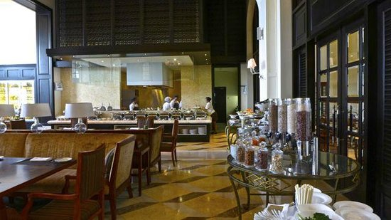 The Danna Langkawi: Planter's Room breakfast to suite all palates.