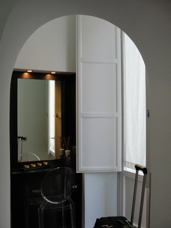 Magi House Relais: awesome shutters/windows - almost floor to ceiling!  also nice vanity area to get ready!