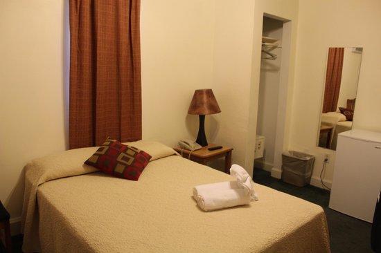 The Clay Hotel: Panorámica de la habitación....