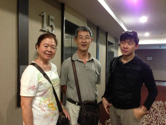 Hatten Hotel Melaka: Me with my parents