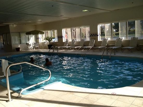 Fairfield Inn & Suites Sandusky:                   Pool, clean and lots of seating