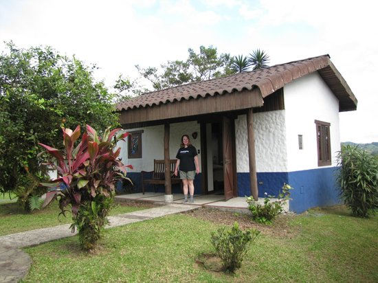 Villa Blanca Cloud Forest Hotel and Nature Reserve: Rooms are individual small houses