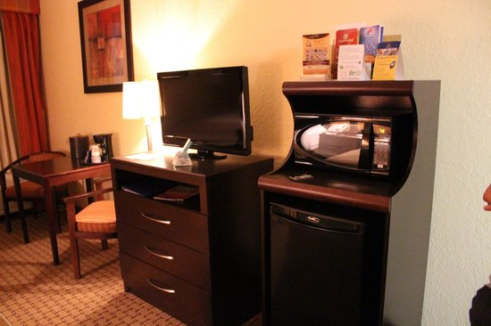 BEST WESTERN PLUS Universal Inn: Hasta microondas, cafetera y café gratis!
