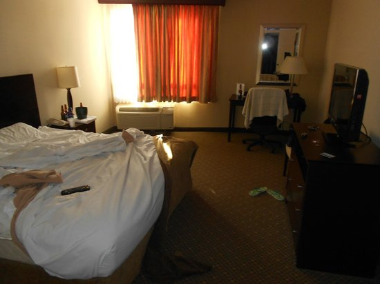 Windemere Hotel and Conference Center :                   This is the actual room
