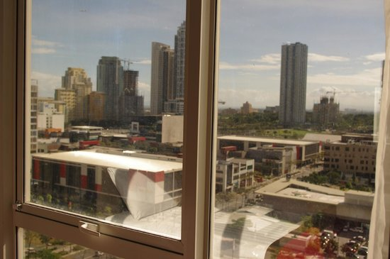 F1 Hotel Manila:                   F1 Best Western Fort Bonifacio Global City view
