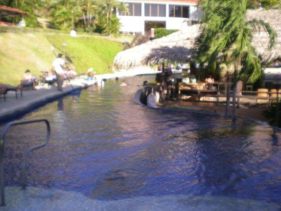 Villas Sol Hotel & Beach Resort:                                     LOVED THE WET BAR