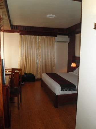 Angkor Pearl Hotel: Deluxe room