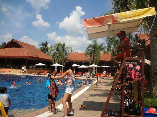 Club Med Cherating Beach: aquagym et natation tous les jours