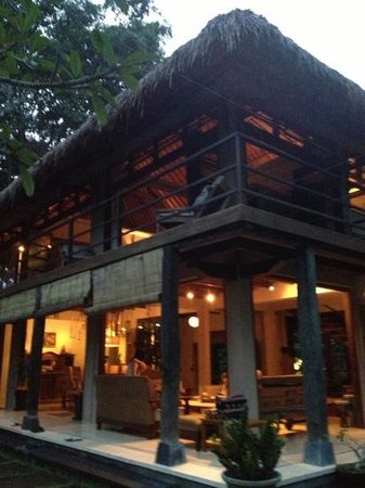 Villa Madu : Main house in the evening light.