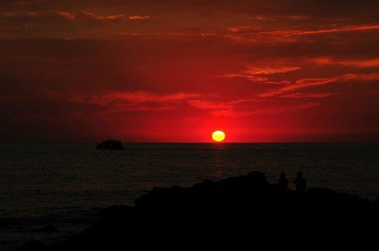 Ocean Breeze Nuevo Vallarta:                   sunset (c) Praise Photo Perspectives Inc.