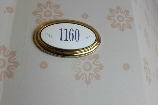 Disneyland Hotel: my corner room number