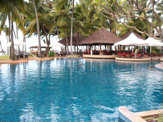 One&Only Le Saint Geran:                                     Pool