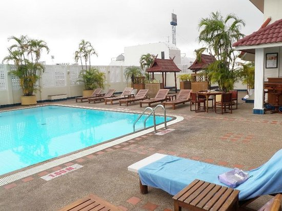 Mercure Chiang Mai:                                                                         3Fの屋外プール