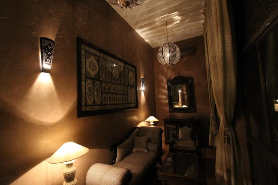 Riad Noir d'Ivoire:                   Living area in suite