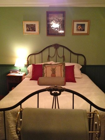 Stirling House Bed and Breakfast:                   The French Room