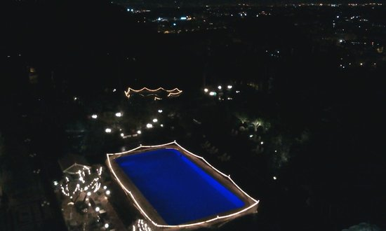 Rome Cavalieri, Waldorf Astoria Hotels & Resorts: Pool at night from the 7th floor