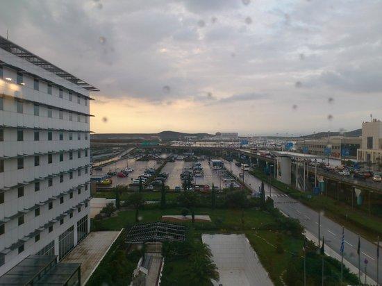 ソフィテル アテネ エアポート, 部屋から空港が見えます