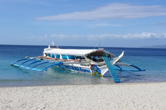 White Beach: White Beach batangas-bound pumpboat
