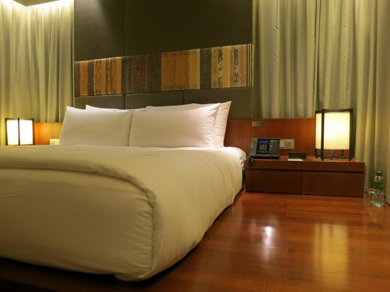 Hansar Bangkok Hotel: very comfortable bedding