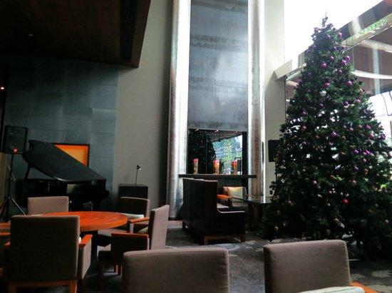 Hansar Bangkok Hotel: elegant piano bar