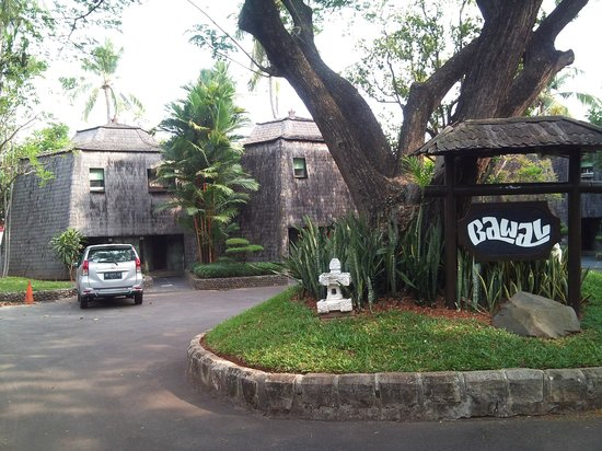 Putri Duyung Ancol:                   The Cottage looks