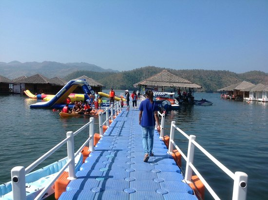 Lake Heaven Resort and Park: You ca Enjoy here.