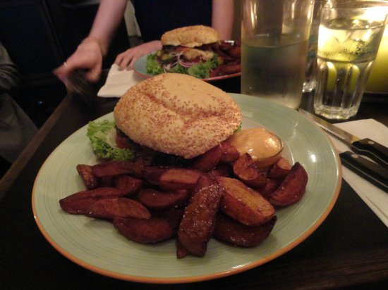 Halifax : yummy burgers!