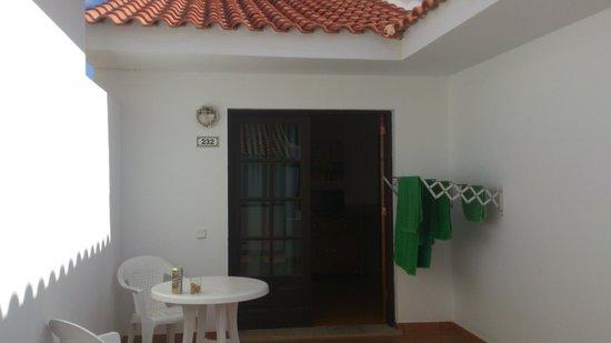 Villa Florida:                   Ingång till rummet med verandan.