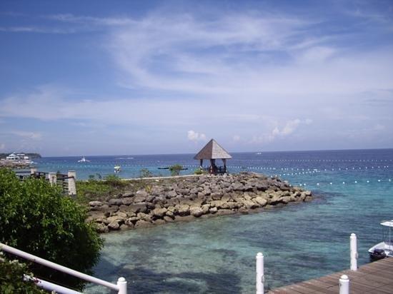 Shangri-La's Mactan Resort & Spa: Vue d'un des bars