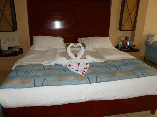 Coral Sea Holiday Village: Towel art!