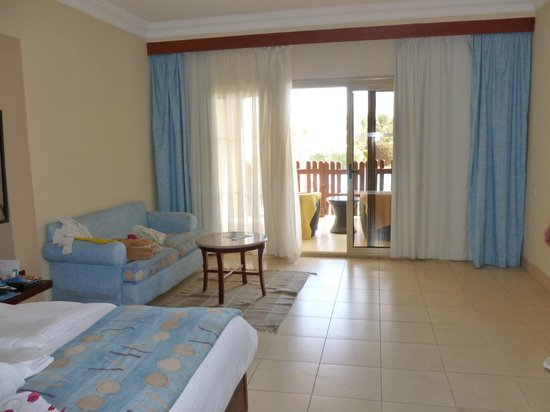 Coral Sea Holiday Village: sitting area