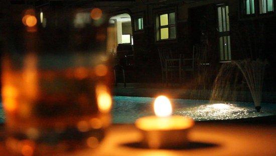 Randekhi Royal Hotel: Night Pool