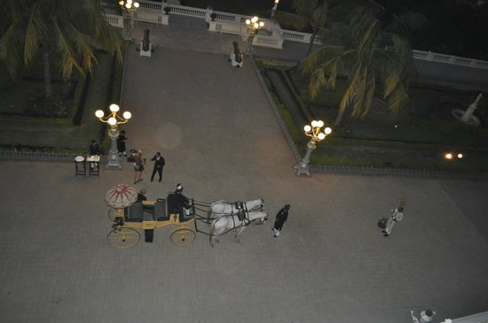 Taj Falaknuma Palace:                   On arrival