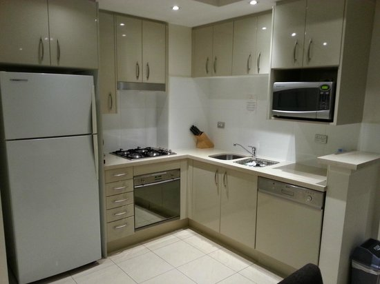 Meriton Suites Pitt Street, Sydney: 1 Bedroom Apartment - Kitchenette