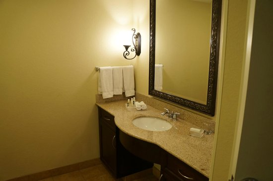 Homewood Suites by Hilton Las Vegas Airport: separate vanity
