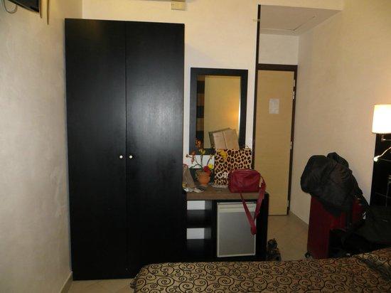 Hotel Sonya: Room