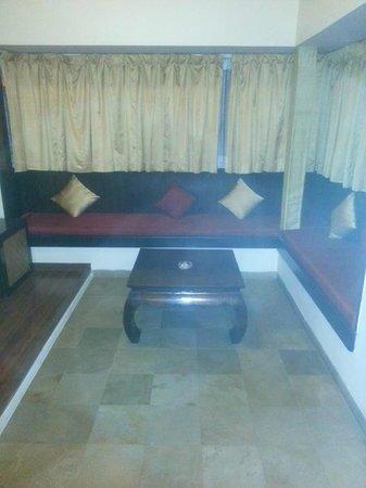 The Windflower Resort & Spa, Mysore: Sitting