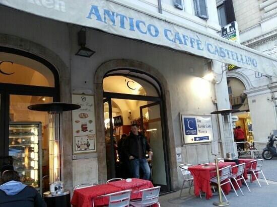 Antico caffe castellino: entrada