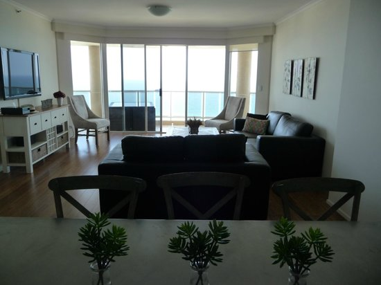 Xanadu Holiday Resort:                   Dining and living room