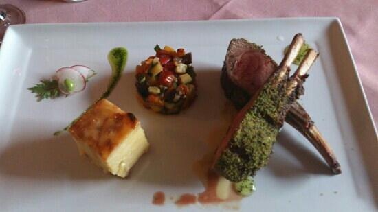 Roaring Megs Restaurant : really yummy lamb rack
