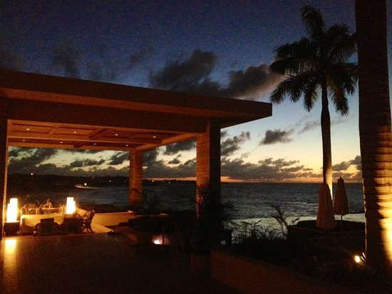 Four Seasons Resort and Residences Anguilla: Sunset Lounge